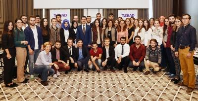 """TÜSİAD Başkanı Cansen Başaran-Symes """"TÜSİAD Gençlik Platformu Toplantıları"""" kapsamında Trabzon'da gençlerle bir araya geldi"""